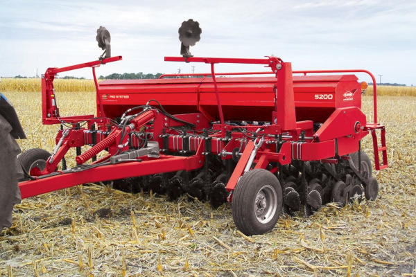 Kuhn | Mechanical Seed Drills | 5200 Grain Drill for sale at Colerain, North Carolina