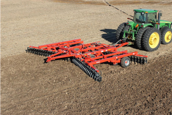Kuhn | Class I: Seedbed Finishing | 7300 Tandem for sale at Colerain, North Carolina
