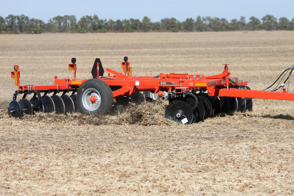 Kuhn | Class I: Seedbed Finishing | 8100 Tandem for sale at Colerain, North Carolina