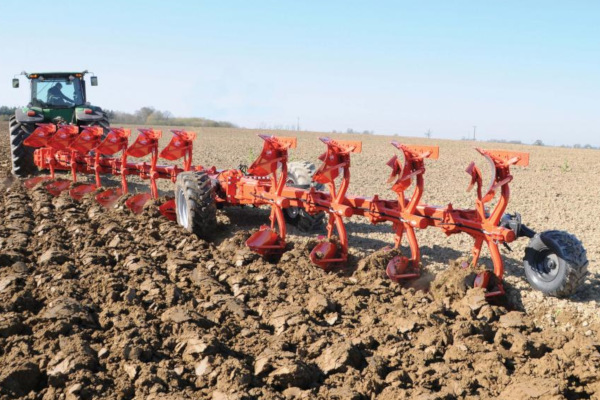 Kuhn | Semi-Mounted Rollover Plows | Challenger for sale at Colerain, North Carolina