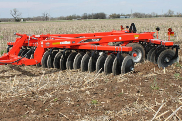 Kuhn | Disc Harrows | Offset for sale at Colerain, North Carolina