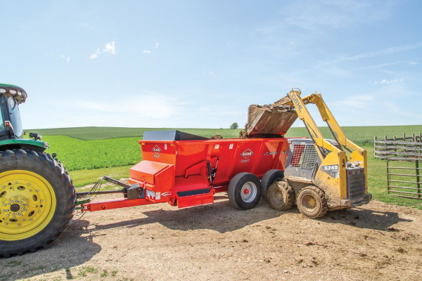 Kuhn | Side-Discharge Spreaders | SL 100 Series for sale at Colerain, North Carolina