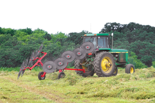 Kuhn | Wheel Rakes | SR 50 Series for sale at Colerain, North Carolina