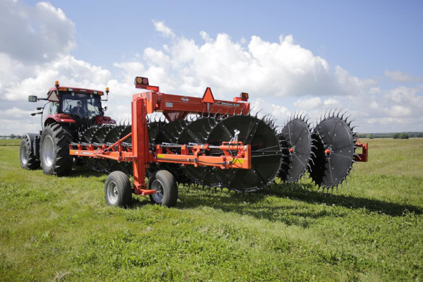 Kuhn | Wheel Rakes | SR 800 series for sale at Colerain, North Carolina