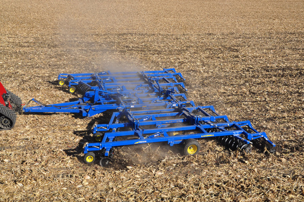 Landoll | Secondary Tillage & Seedbed Preparation | 6200 Tandem Disc Harrow for sale at Colerain, North Carolina