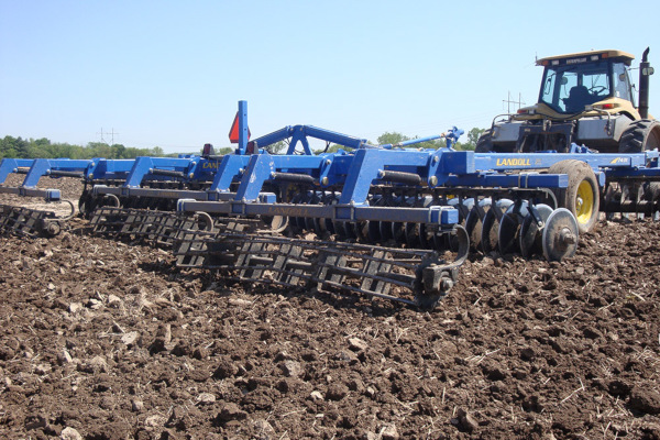 Landoll | 7400 VT PLUS (Vertical Tillage) | Model 7431-33 for sale at Colerain, North Carolina