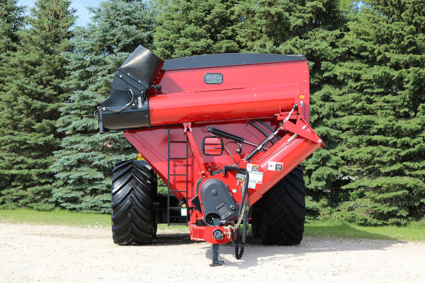 Unverferth | 20 Series Dual-Auger Grain Carts | Model 1620 for sale at Colerain, North Carolina