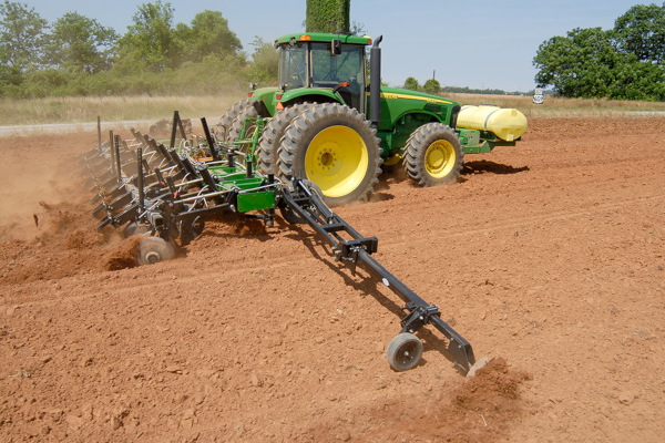 Unverferth | Seedbed Tillage | Ripper-Bedder for sale at Colerain, North Carolina