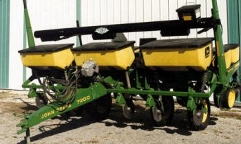 CroppedImage350210-Planter-cross-auger.jpg