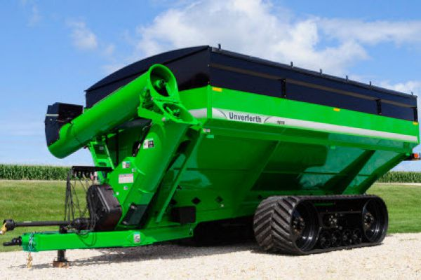 Unverferth | 20 Series Dual-Auger Grain Carts | Model 1610 for sale at Colerain, North Carolina