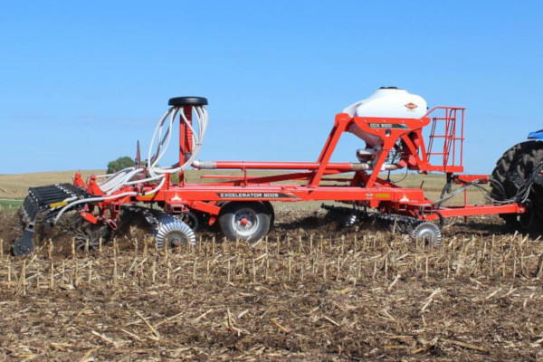Kuhn CCX 9000-21 / 8005-25 for sale at Colerain, North Carolina